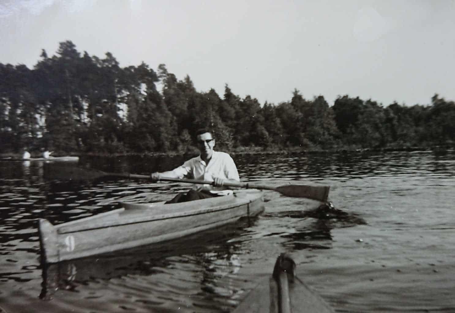 Mit dem Paddelboot um 1960.